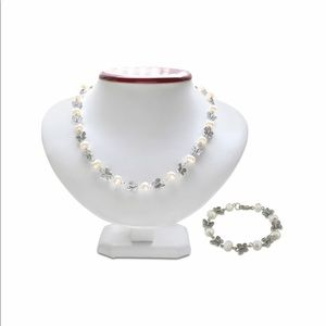 Butterfly and Pearl Necklace and Bracelet Set NWOT